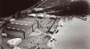 Stockholm-Lindarängen under ILIS-utställningen 1931. Plan från ABA och Lufthansa skymtar. Foto i LFV:s arkiv.